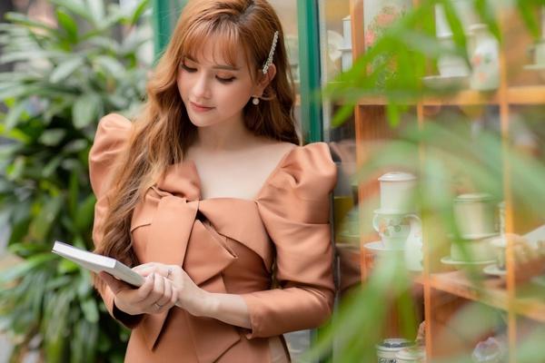 Ca sĩ Thu Thủy tố ê-kíp phim 'Hạnh phúc của mẹ' dùng chùa nhạc