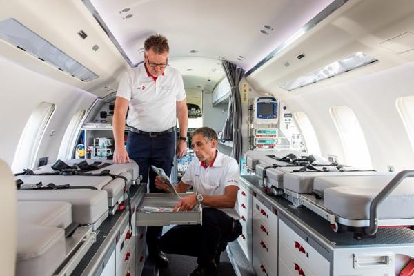 Bộ Y tế tính phương án chuyển bệnh nhân phi công về Anh