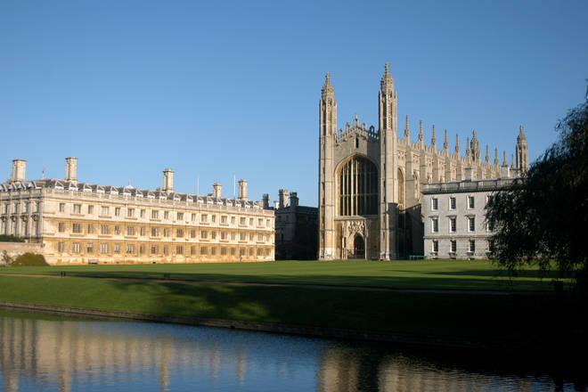 Đại học Cambridge tiếp tục dạy trực tuyến tới mùa hè 2021