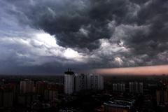 Dự báo thời tiết ngày 22/5/2020: Hà Nội mưa giông gió giật