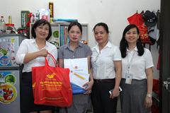 Người lao động cảm ơn sự hỗ trợ của công đoàn trong Tháng công nhân
