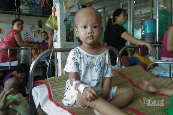 Bé Nguyễn Thị Thanh Thảo được bạn đọc ủng hộ hơn 70 triệu đồng
