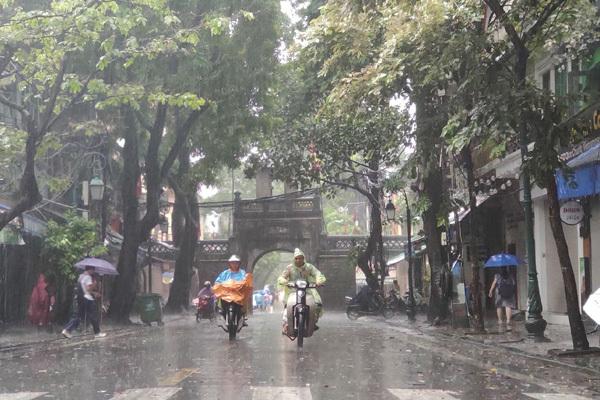 Thời tiết Hà Nội mưa to ngày 23/05/2020