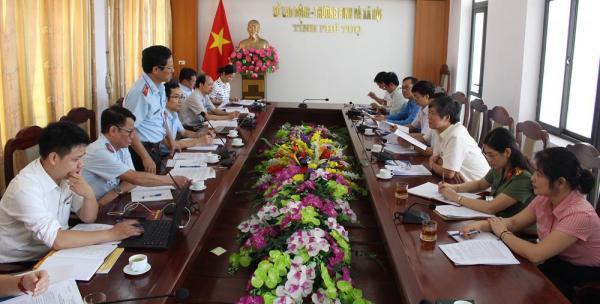 Đoàn công tác Bộ LĐ-TBXH giám sát việc hỗ trợ người dân gặp khó khăn do Covid-19 tại Phú Thọ