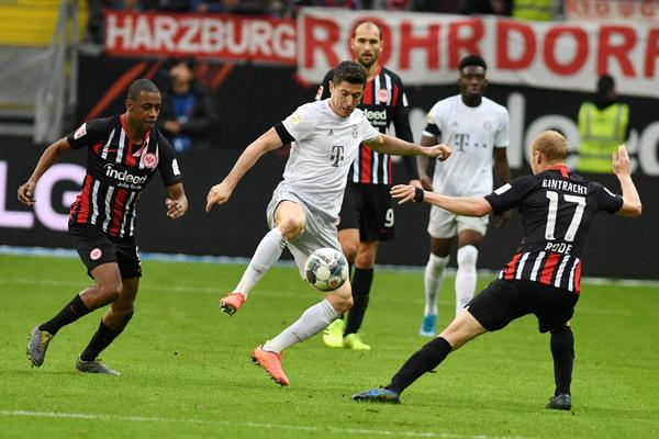 Bayern vs Frankfurt: Không thể cản Lewandowski