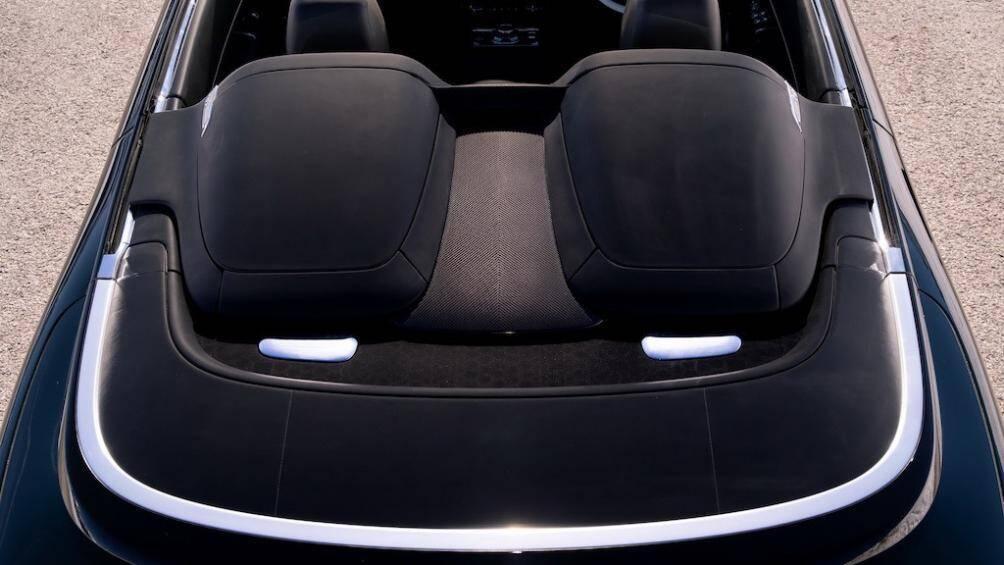 Cận cảnh siêu xe mui trần tuyệt đẹp của Rolls-Royce