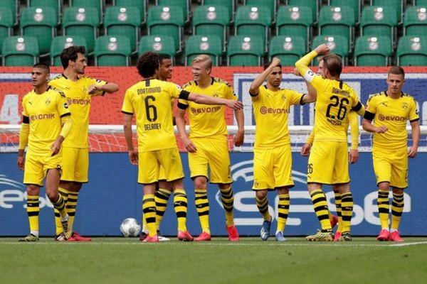 """Haaland tịt ngòi, Dortmund vẫn khiến """"Hùm xám"""" nóng gáy"""