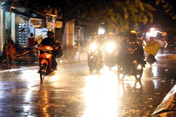 Dự báo thời tiết ngày 24/5: Miền Bắc có mưa, miền Trung nắng gay gắt