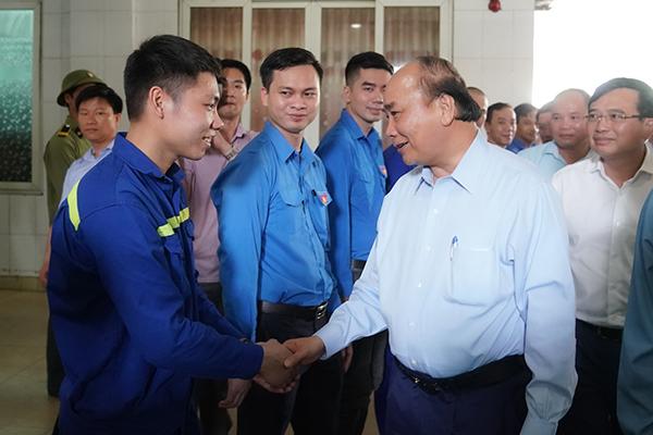 Thủ tướng thăm công nhân mỏ Hà Lầm, Quảng Ninh