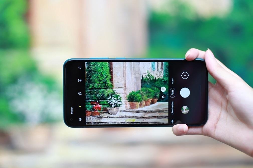 Smartphonepin 'khủng' giúp làm việc online hiệu quả