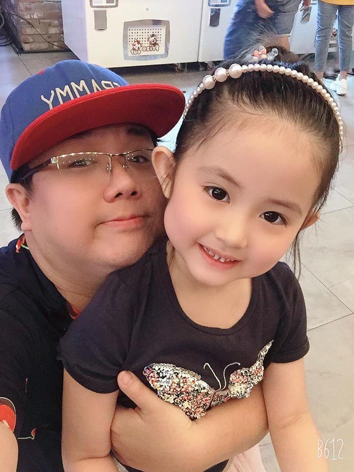 Diễm My 6X khoe thành tích học rất giỏi của 2 con gái xinh đẹp