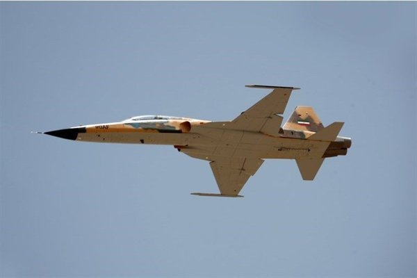 Căng thẳng với Mỹ, Iran trang bị chiến đấu cơ mới