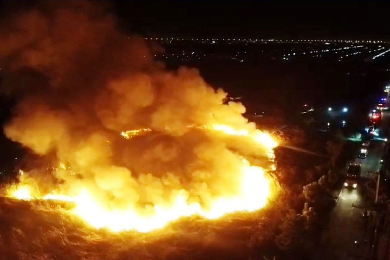 Cháy lớn ở gara, 10 chiếc ô tô bị thiêu rụi hoàn toàn