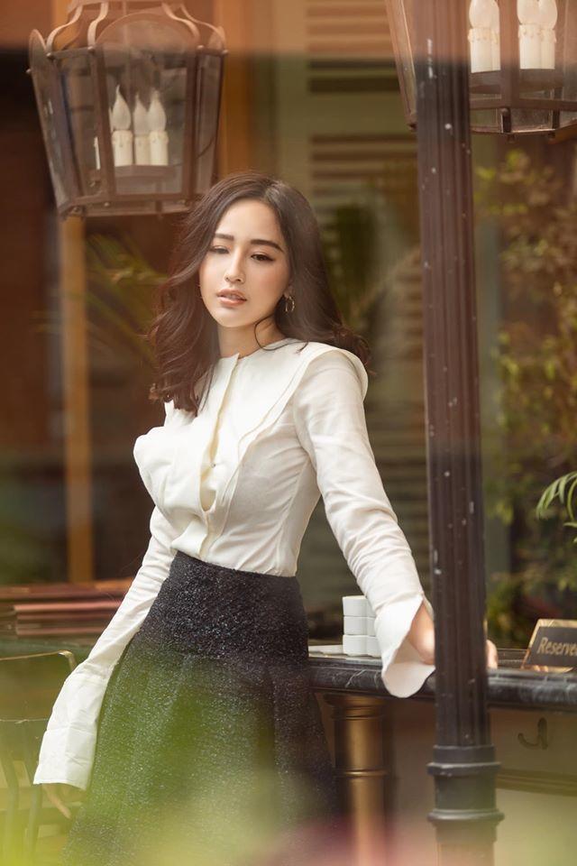 Hoa hậu Mai Phương Thúy: Tôi đọc sách nhiều như máy nghiền thức ăn