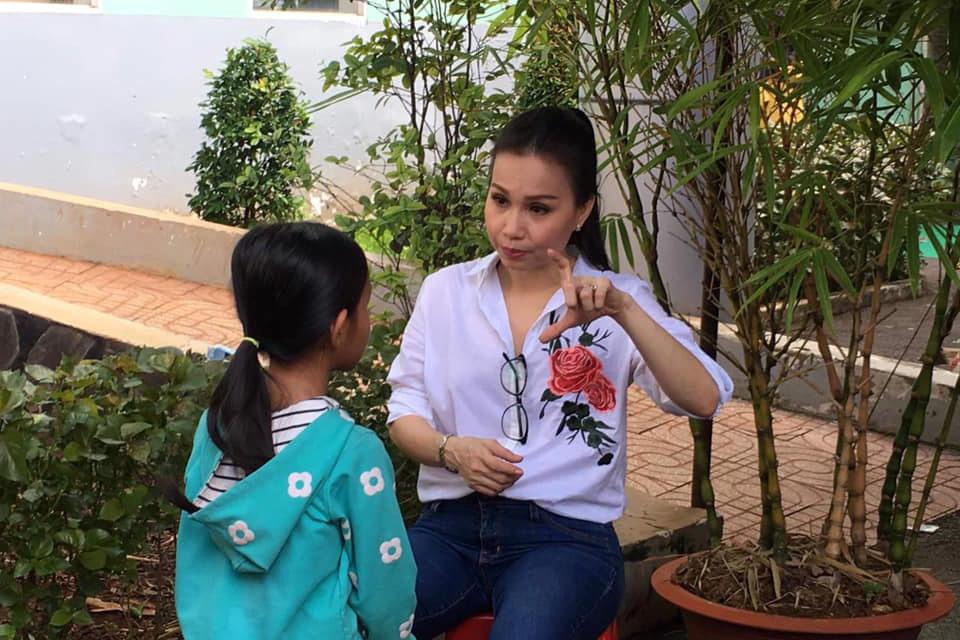 Cuộc sống đáng ngưỡng mộ của 3 chị em Cẩm Ly - Hà Phương - Minh Tuyết