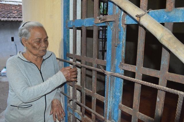 Đau đớn mẹ già 86 tuổi lo chết đi không ai nuôi con trai tâm thần