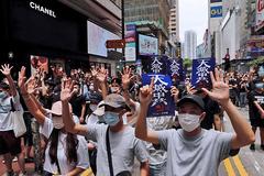 Người Hong Kong biểu tình rầm rộ, phản đối dự luật an ninh