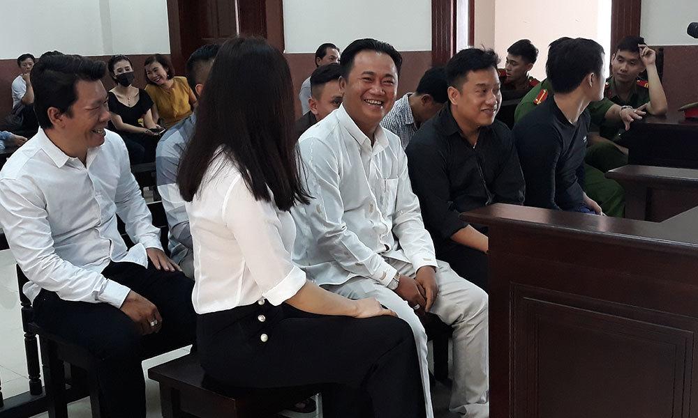 Sẽ áp giải nữ bác sĩ đến phiên xử bác sĩ Chiêm Quốc Thái bị chém