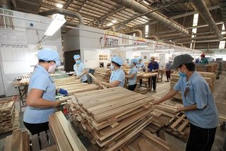 Wooden furniture manufacturers face liquidity problems amid COVID-19 crisis