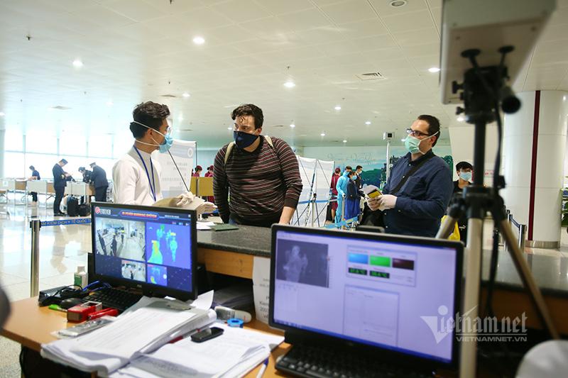 Công dân 80 nước được dùng visa điện tử bay vào Việt Nam từ 1/7