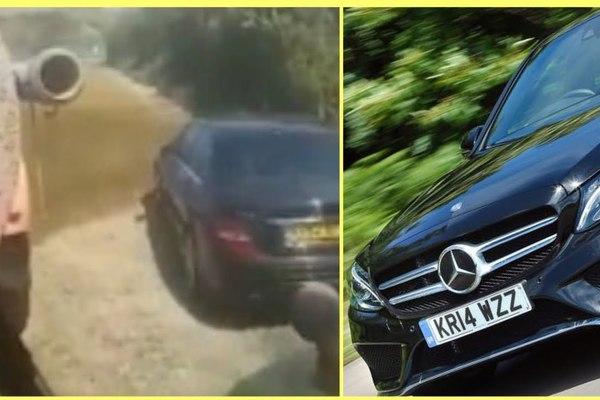 Đỗ nhầm chỗ, xe sang Mercedes-Benz được tắm phân bón