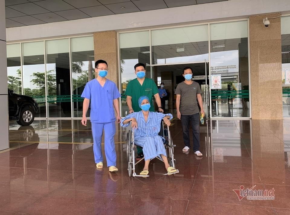 Ngày ra viện của những bệnh nhân Covid-19 đặc biệt nhất miền Bắc