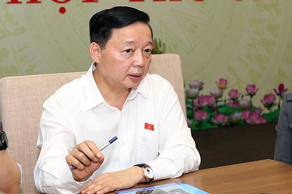 Bộ trưởng TN&MT: Không loại trừ tình trạng người nước ngoài 'núp bóng' thu mua đất
