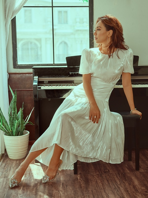 Miko Lan Trinh xinh đẹp, gợi cảm