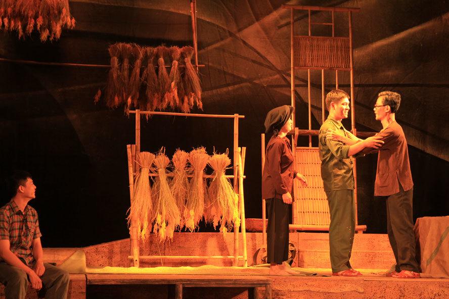 Kịch 'Điều còn lại' diễn tại Nhà hát Lớn