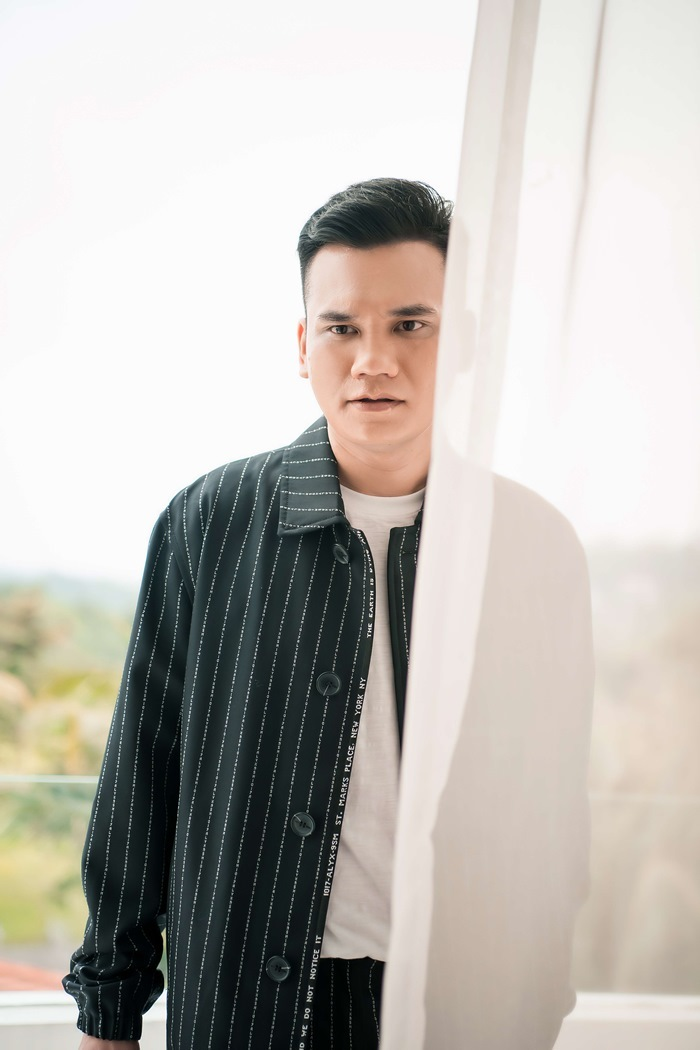 Khắc Việt ra MV mới 'Sao em nỡ vậy'