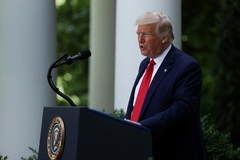 Ông Trump sắp ký lệnh quản lý mạng xã hội sau sự cố Twitter