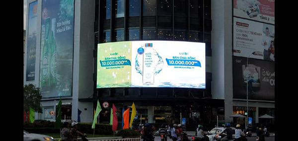 Thương hiệu máy lọc nước Karofi rao bán chai nước rỗng có giá đến 10 triệu đồng
