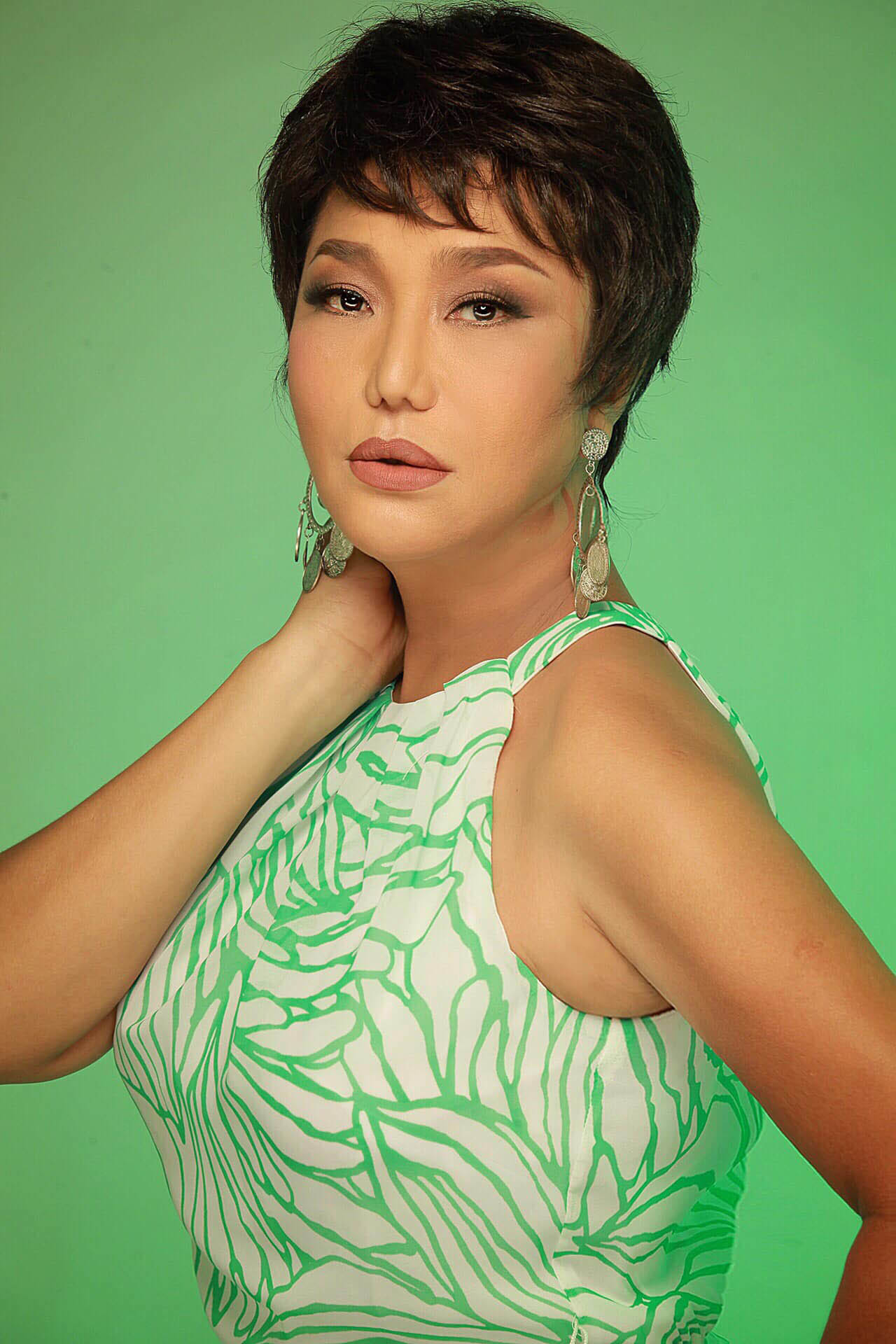 Cindy Thái Tài: Mỗi lần quen bạn mới, tôi lại nghĩ tới người chồng quá cố