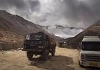 Căng thẳng leo thang, Trung Quốc, Ấn Độ dồn quân tới biên giới chung
