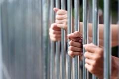 Người bị tạm giam có quyền mời luật sư không?