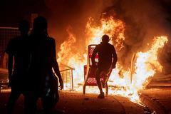"""Thành phố Mỹ biến thành """"chiến địa"""", đốt phá cướp bóc hoành hành"""