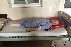 Mẹ trẻ đau đớn vì ung thư cướp con đi khi con chưa kịp thành hình