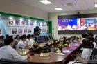 Bác sĩ ngồi Hà Nội khám bệnh cùng lúc 5 bệnh viện
