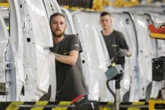 Renault cuts 15,000 jobs in major restructuring