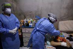 Thế giới 7 ngày: Mỹ vượt 100.000 ca tử vong, Brazil trả giá đắt cho sai lầm chống dịch
