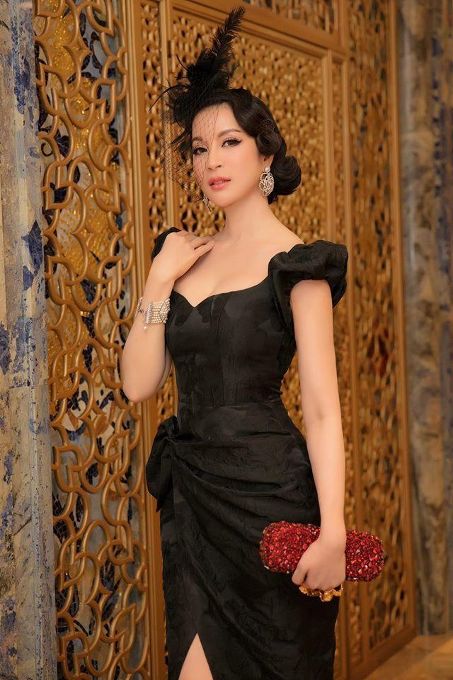 Tăng Thanh Hà khoe ảnh tình tứ bên ông xã Louis Nguyễn