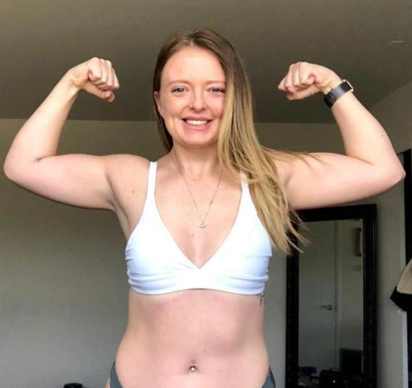 Cô gái mắc chứng biếng ăn vì áp lực của người yêu đã tăng cân trở lại