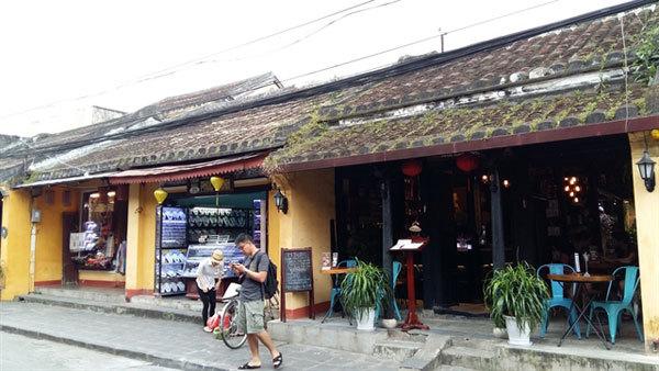 Ancient town,Hoi An,tourism services,reopen,Thanh Ha pottery village,Tra Que garden village