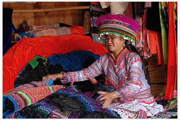 Mù Cang Chải: Bảo tồn nghề dệt thổ cẩm của đồng bào Mông