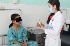 Thiếu nữ 17 tuổi mặt sưng phù, lở loét do dùng kem lột trắng da cấp tốc