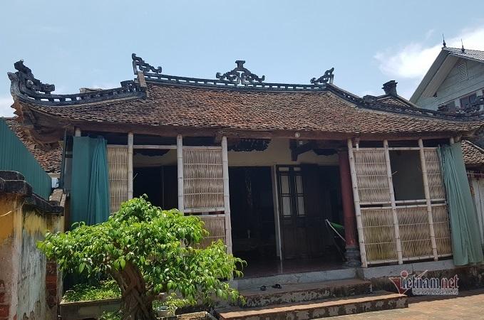 Ngôi nhà hơn 100 tuổi chứa bảo vật dát vàng ở Hà Nội
