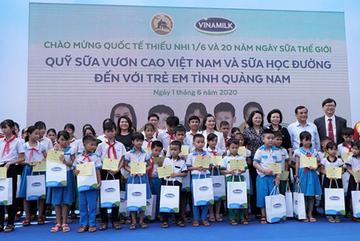 Vinamilk tặng quà 1/6 đặc biệt cho hơn 34.000 học sinh Quảng Nam