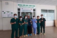 Bệnh nhân Covid-19 nặng nhất miền Bắc rạng rỡ ngày xuất viện