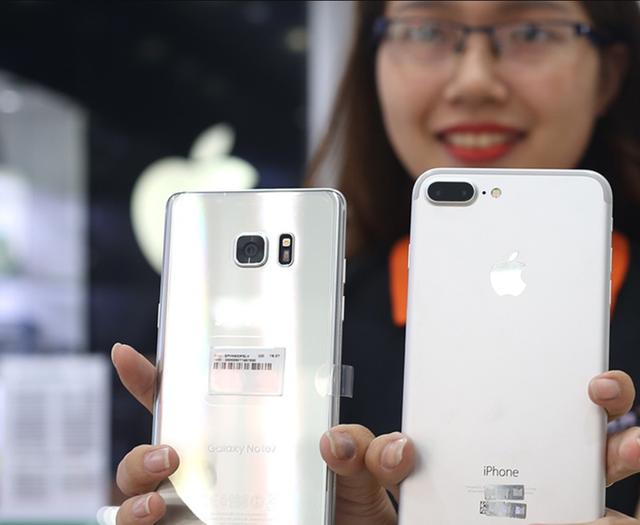 Apple giảm giá iPhone ở Trung Quốc để kích cầu, người Việt 'mừng thầm'?