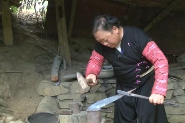 Phát triển nghề rèn truyền thống, đồng bào Mông không còn thu nhập bấp bênh
